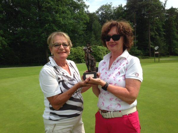 Antoinette Ruiter trofee voor José Hinne