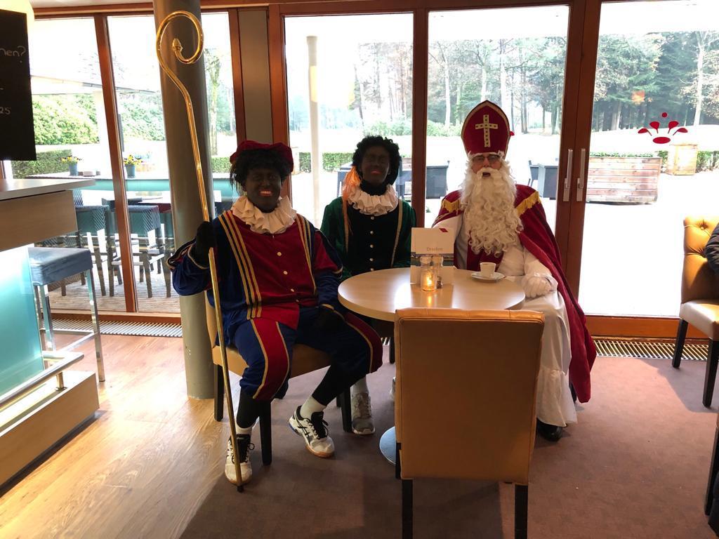 Sinterklaas brengt bezoek aan Sybrook