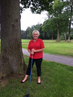 Marianne Franken slaat een hole-in-one